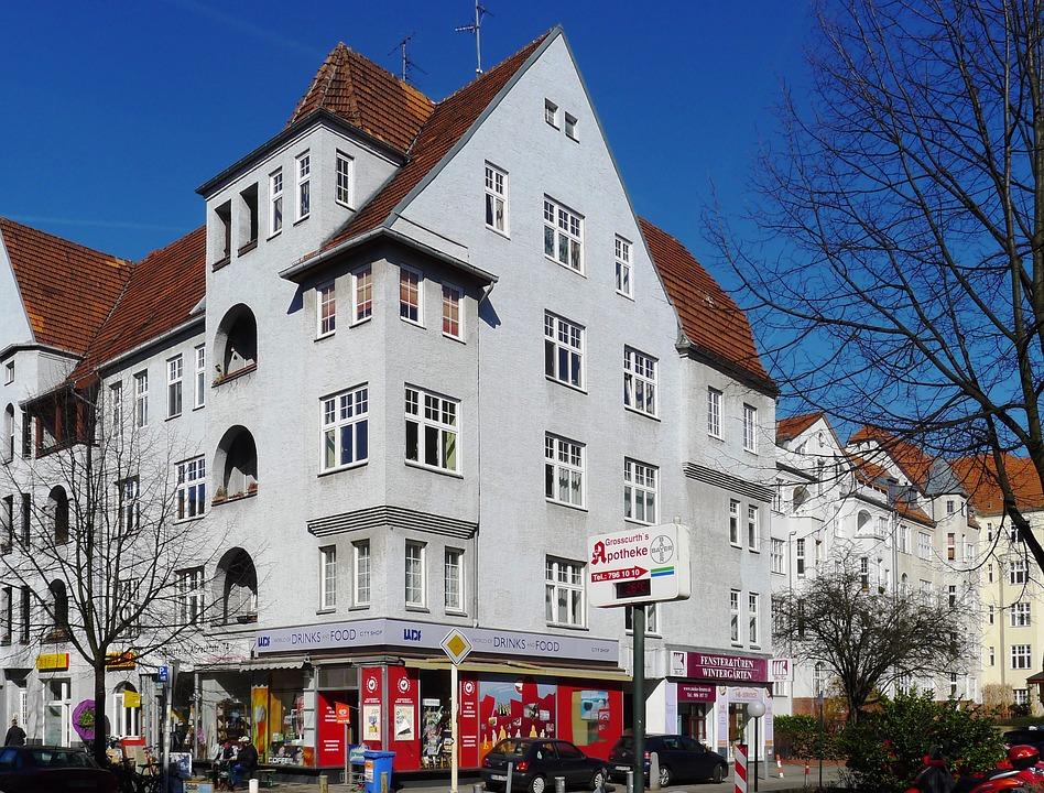 Ripartizione delle spese: cortile del condominio e copertura di locali sotterranei